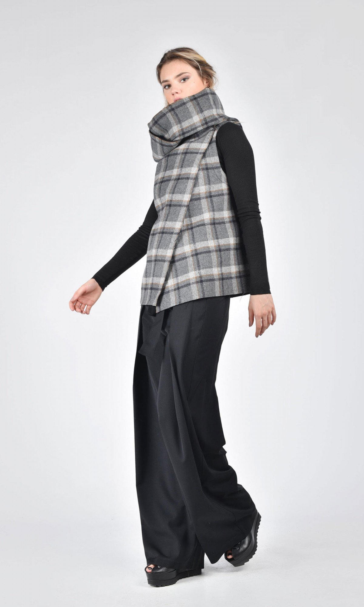 Short High Collar Plaid Vest A07663