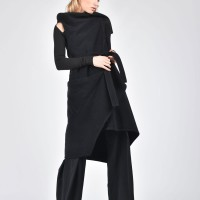 Sleeveless Wool Coat with Belt A07679