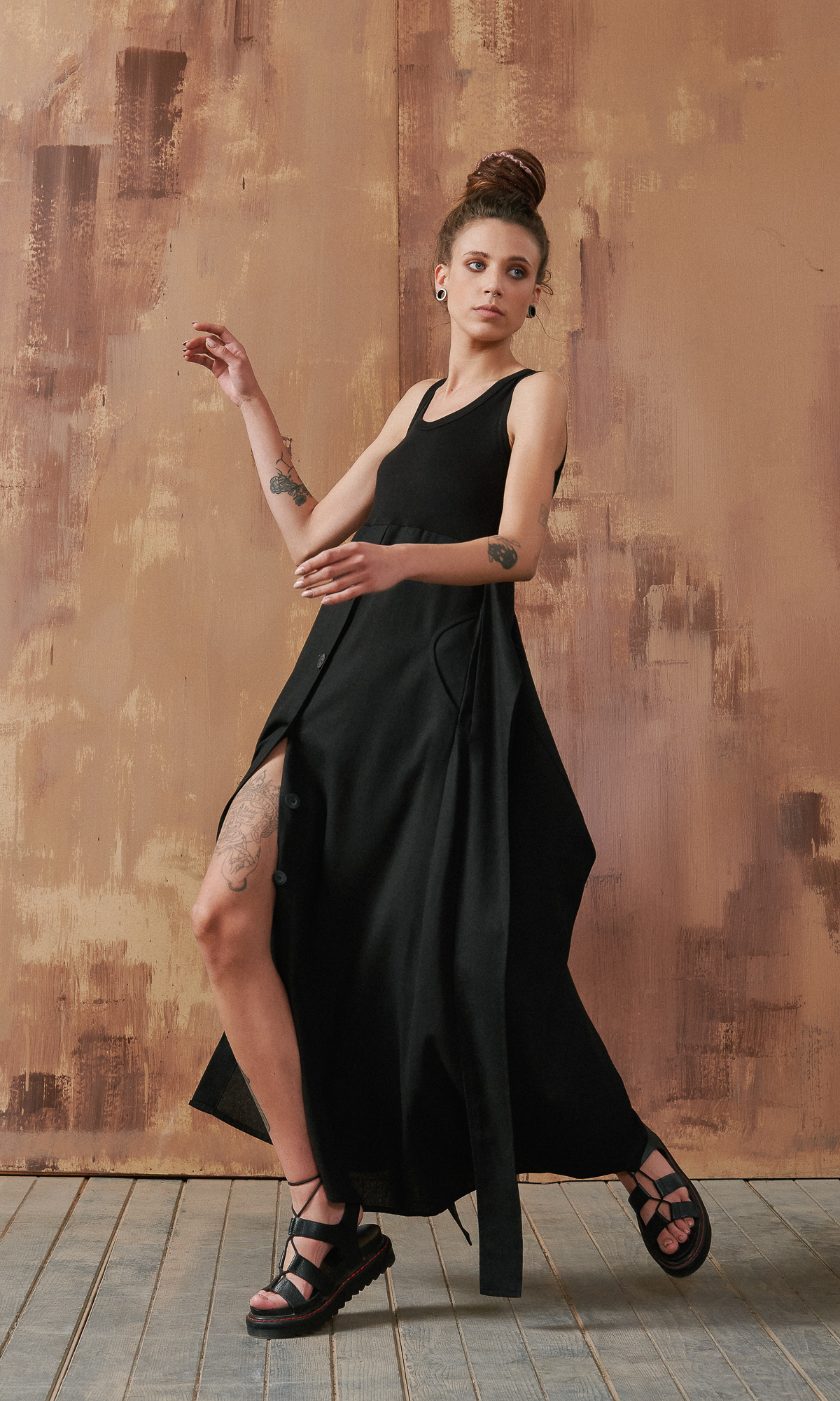 Sleeveless Mixed Dress with Belt
