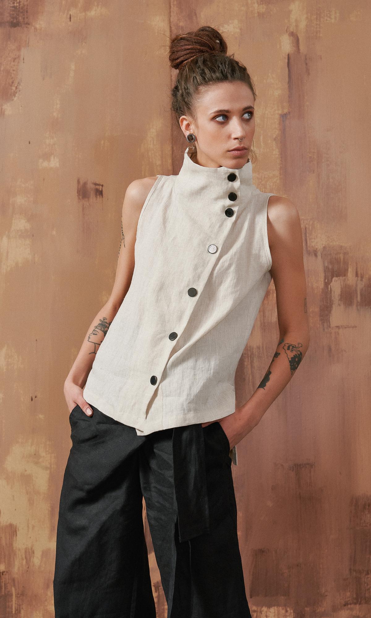 Sleeveless Linen Buttoned Top