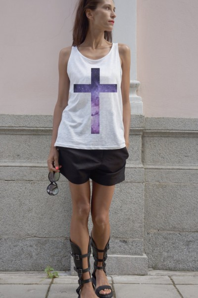 Cute White Top with Star Cross A044020342