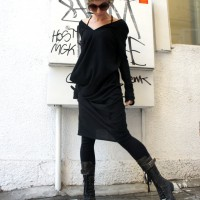 Tops - Loose Long Black Knit Top A01088