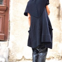 Black Sleeveless Fully Knit Vest