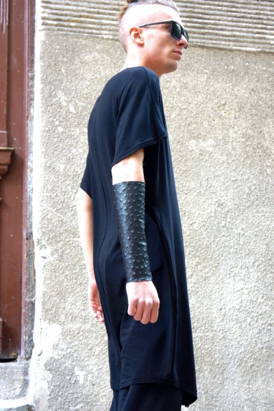 A Leather Cuff With Laces A17247