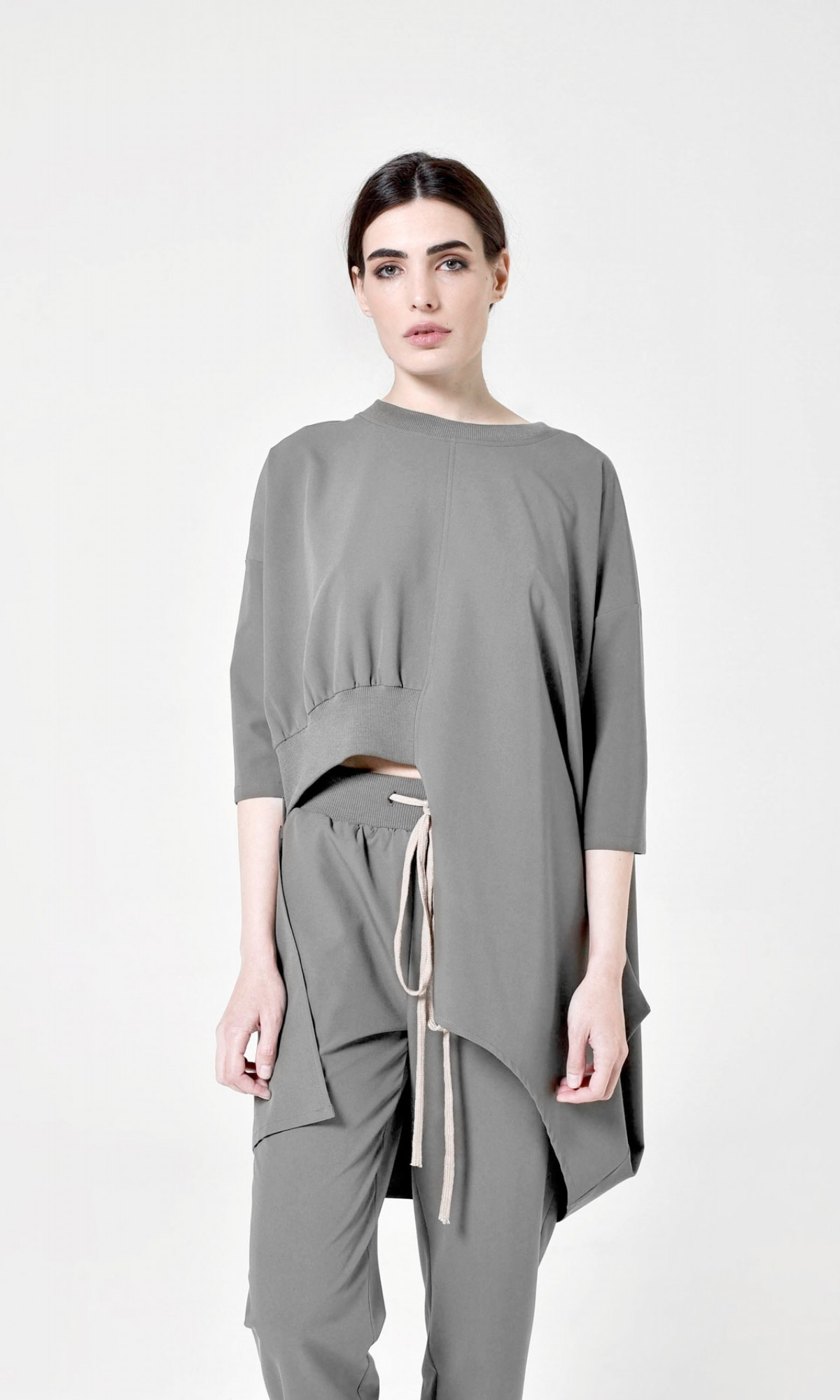 Asymmetric cut off blouse A90273
