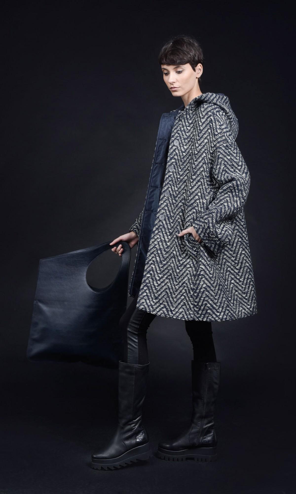 Elegant Straight Hooded Wool Coat A90392